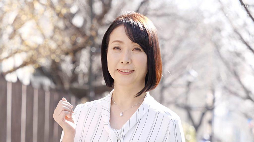 キス好き熟女56歳和泉亮子フェラテクと鯨並の潮吹きでAVデビュー