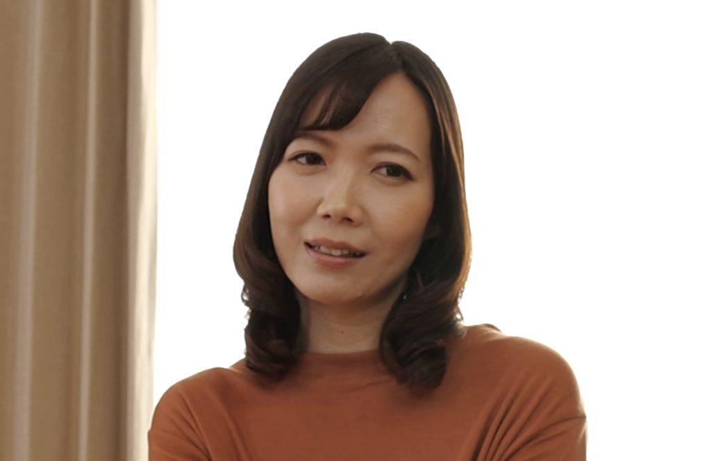 ガテン系一児の母江川春奈40歳誕生日をAVデビューで祝う淫乱熟女