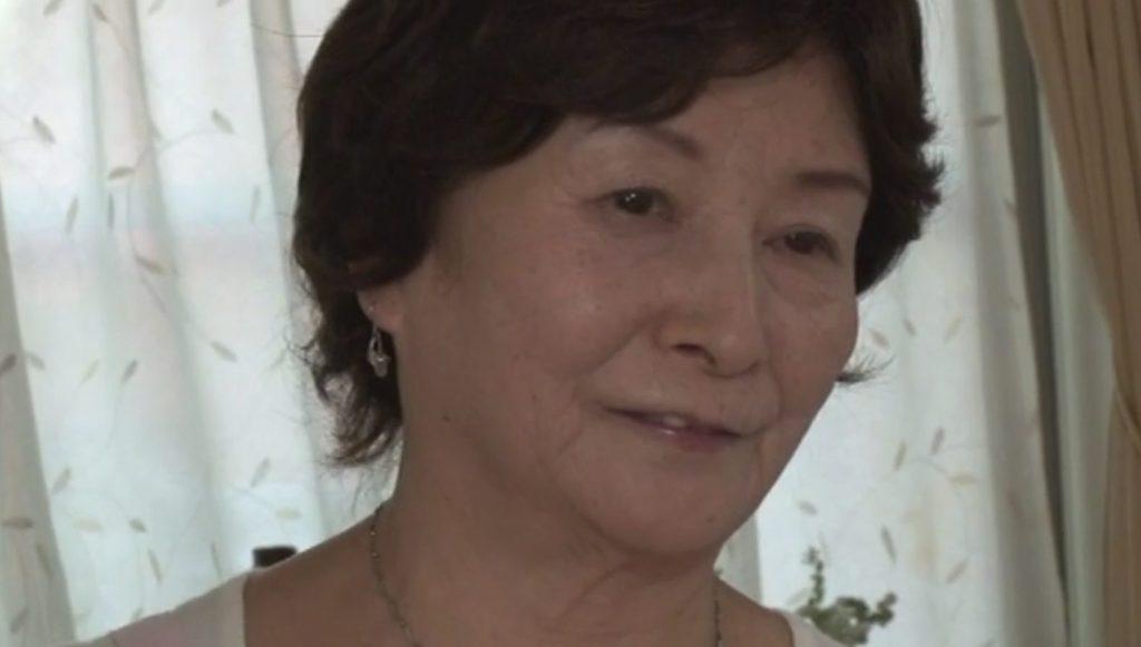 乳首責めが好きなムチぽちゃ主婦藤和弓香44歳ハニカミAVデビュー