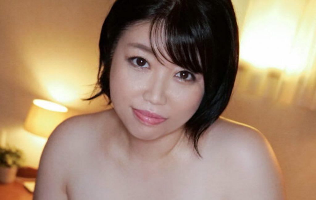 貞淑な還暦奥様・松井佐和子敏感うぶボディを初出しビクンと悶絶イキ